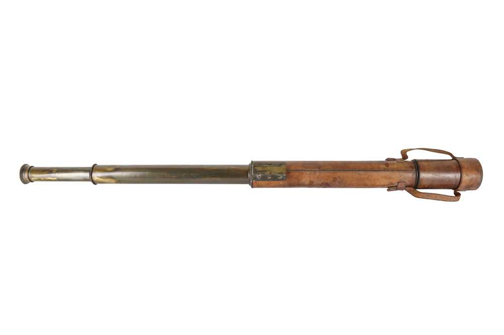 AN EARLY 20TH CENTURY MILITARY TELESCOPE BY ROSS OF LONDON, NO. 30941