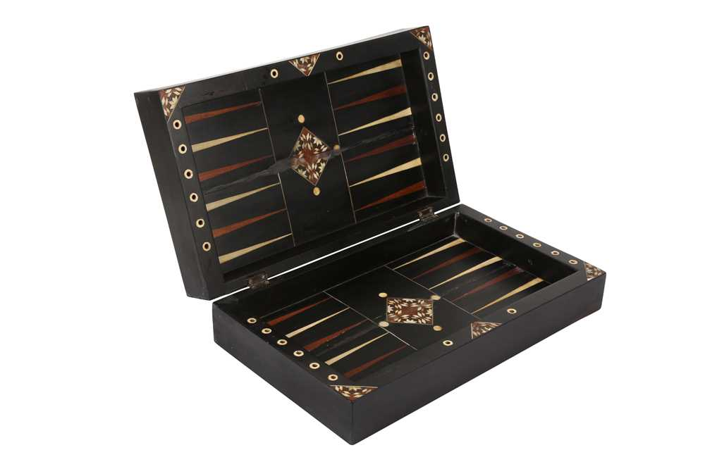 A 17TH CENTURY NORTH ITALIAN EBONY AND IVORY GAMING BOARD FOR CHESS AND BACKGAMMON - Image 3 of 4