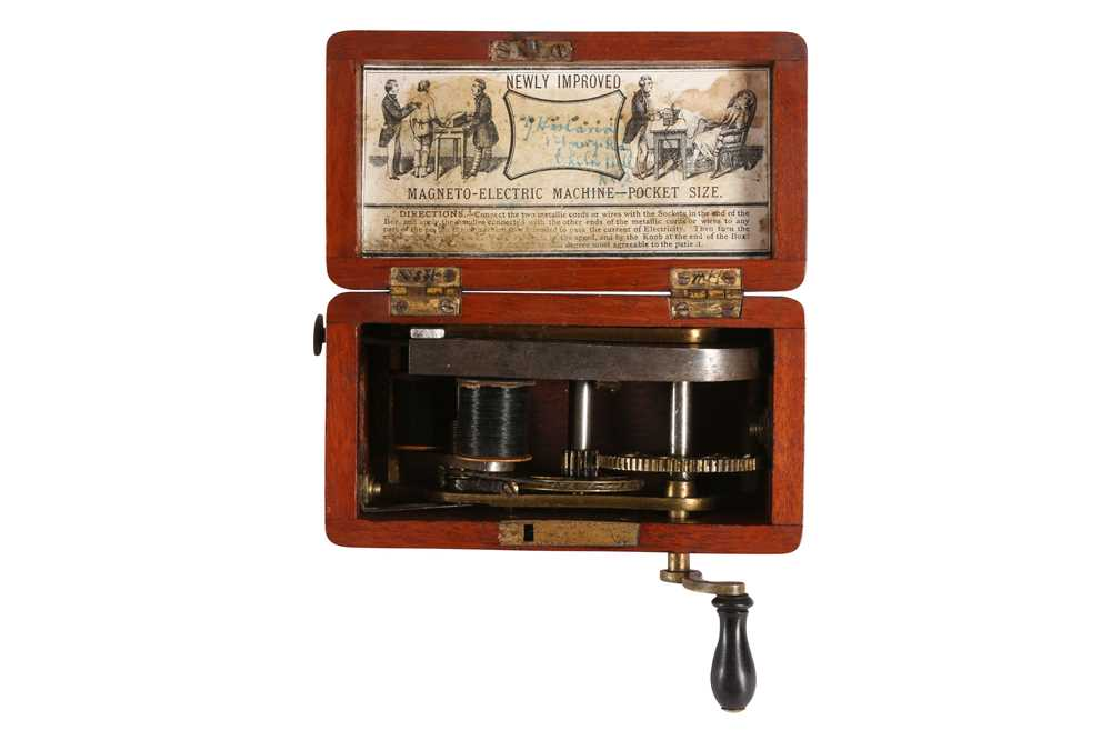 A VICTORIAN POCKET-SIZED ELECTRIC SHOCK MACHINE - Image 4 of 5