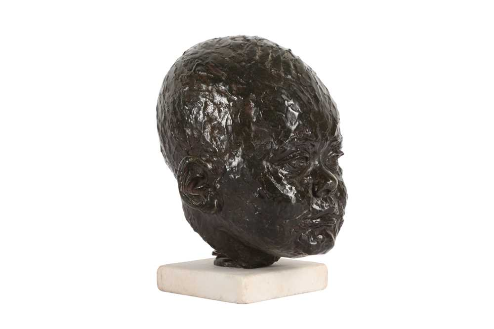 A BRONZE HEAD OF A BABY IN THE MANNER OF SIR JACOB EPSTEIN (BRITISH, 1880-1959) - Image 4 of 4