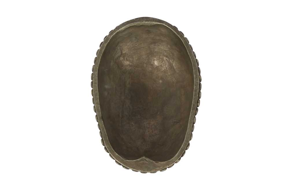 A RESIN MODEL OF A TIBETAN KAPALA HUMAN SKULL CAP - Image 2 of 6