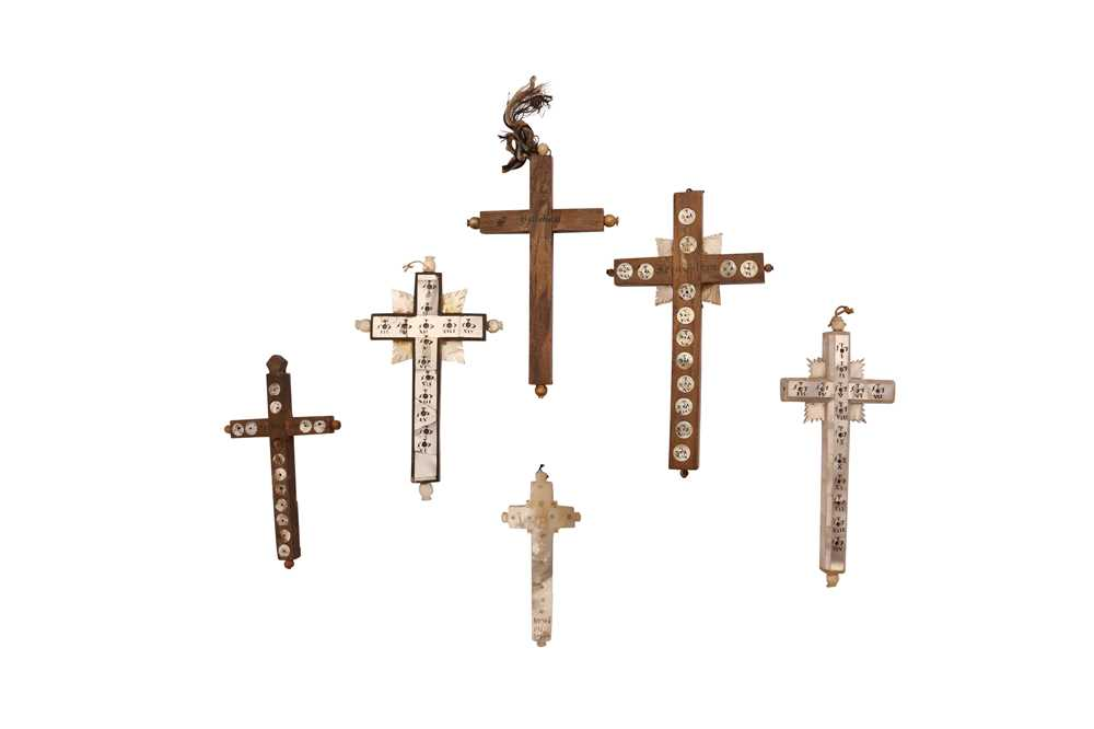 SIX 19TH CENTURY JERUSALEM MOTHER OF PEARL DECORATED CRUCIFIXES TOGETHER WITH TWO BOOKS - Image 6 of 6