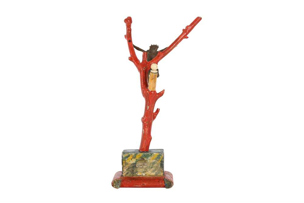 A 19TH CENTURY PAINTED WOOD, FAUX CORAL AND BRONZE CRUCIFIX - Image 2 of 3