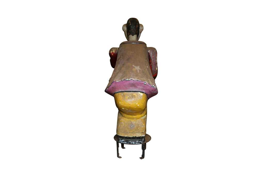 A LARGE ORIGINAL PAINTED FAIRGROUND FIGURE FROM THE PARACHUTE RIDE - Image 5 of 5