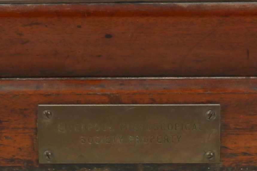 A VICTORIAN MAHOGANY MICROSCOPE SLIDE CABINET INSCRIBED 'LIVERPOOL MICROSCOPICAL SOCIETY - Image 3 of 4