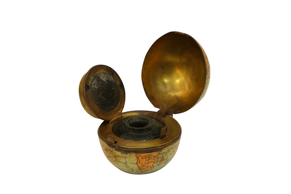 A LATE 19TH CENTURY MINIATURE GLOBE INKWELL - Image 2 of 3