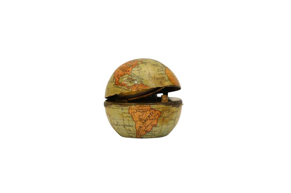 A LATE 19TH CENTURY MINIATURE GLOBE INKWELL - Image 3 of 3