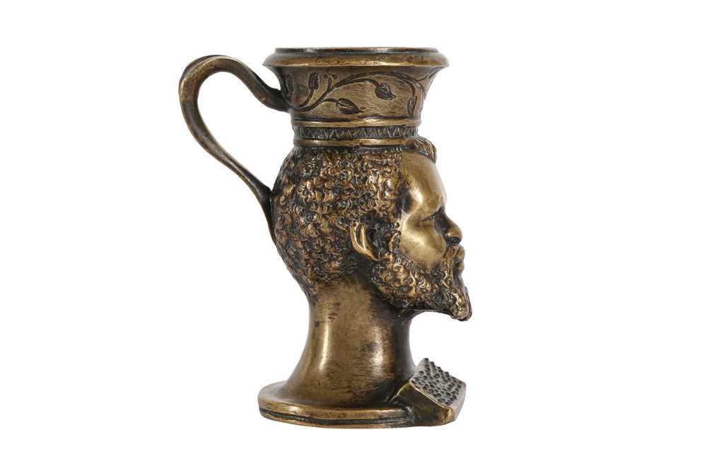 AN EARLY 19TH CENTURY BRONZE TABLE VESTA MODELLED WITH THE HEAD OF A BEARDED NUBIAN - Image 3 of 4