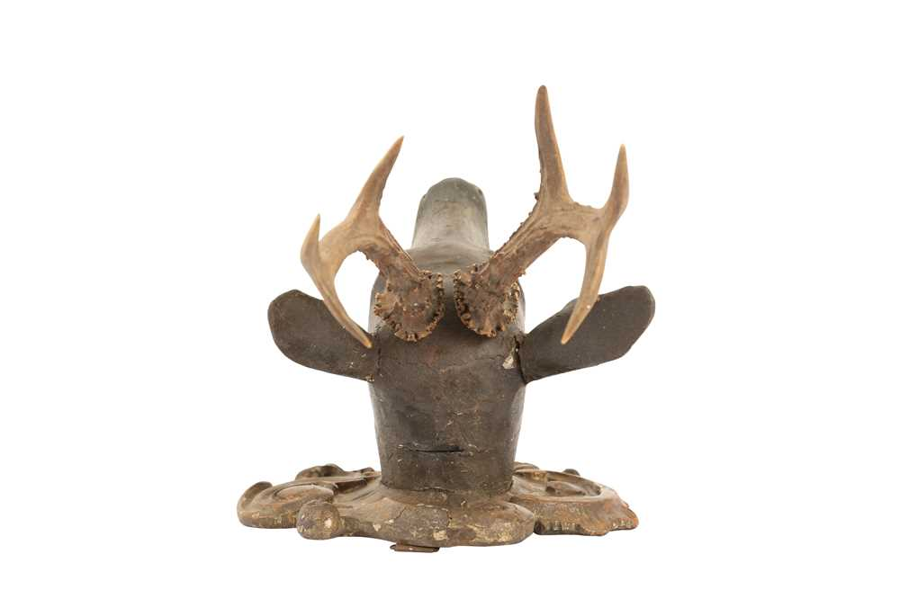 A LATE 19TH CENTURY AUSTRIAN CARVED WOOD AND ANTLER DEER HEAD TROPHY - Image 4 of 5