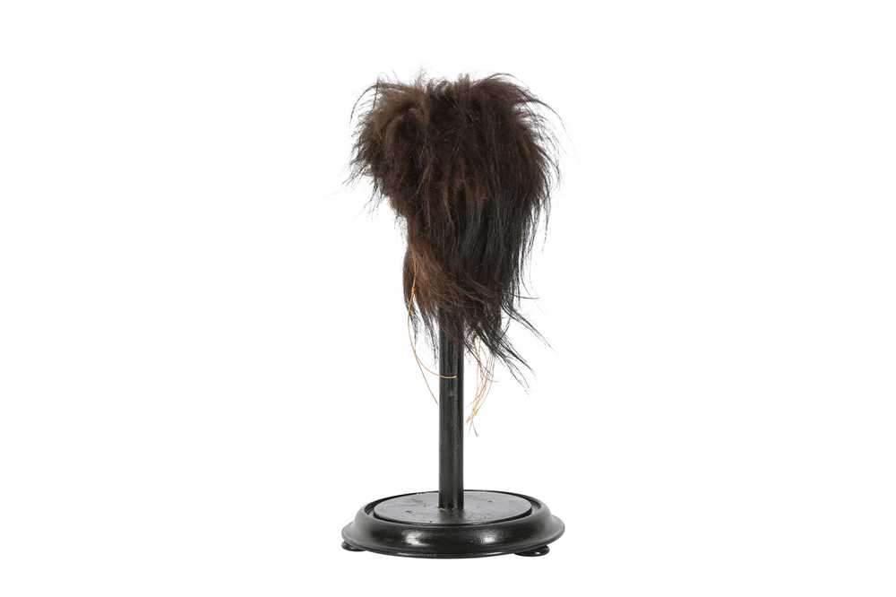 A FAUX SHRUNKEN HEAD ON STAND - Image 2 of 4