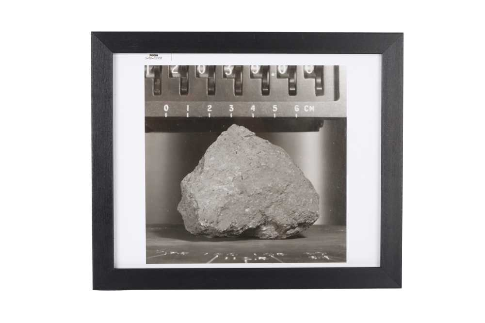 A SET OF SIX VINTAGE PRINTS OF MOON ROCKS COLLECTED BY THE ASTRONAUTS OF APOLLO 12 CIRCA 1969 - Image 4 of 7
