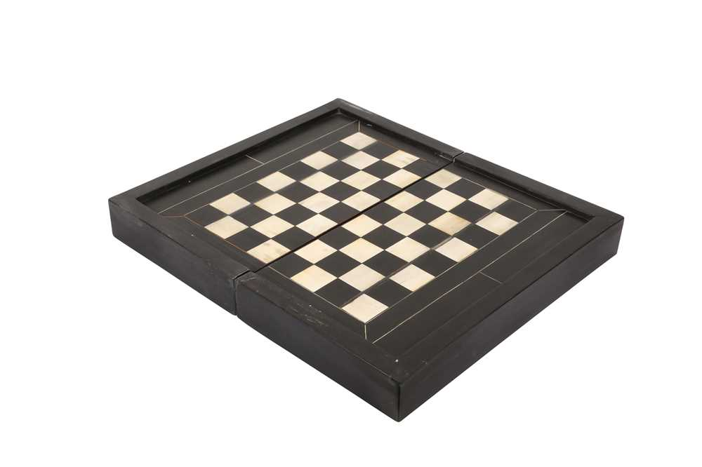 A 17TH CENTURY NORTH ITALIAN EBONY AND IVORY GAMING BOARD FOR CHESS AND BACKGAMMON - Image 2 of 4