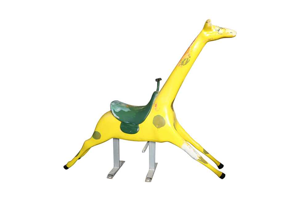 A PAINTED FIBREGLASS FAIRGROUND MODEL OF A GIRAFFE, PROBABLY 1960'S - Image 3 of 3