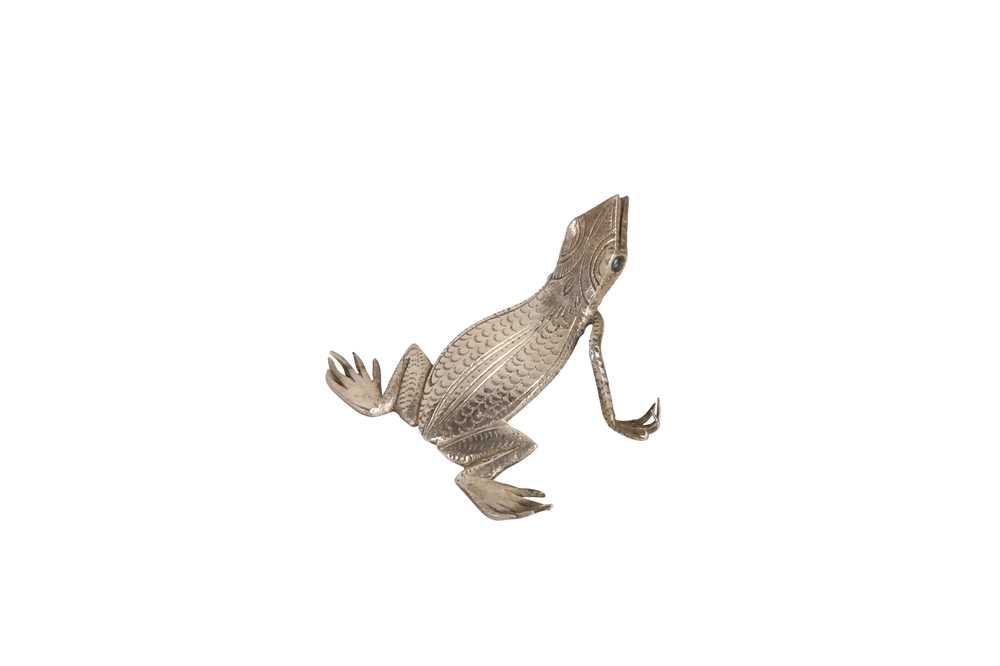 A COLLECTION OF ELEVEN WHITE METAL INDIAN MINIATURE CREATURES - Image 8 of 13
