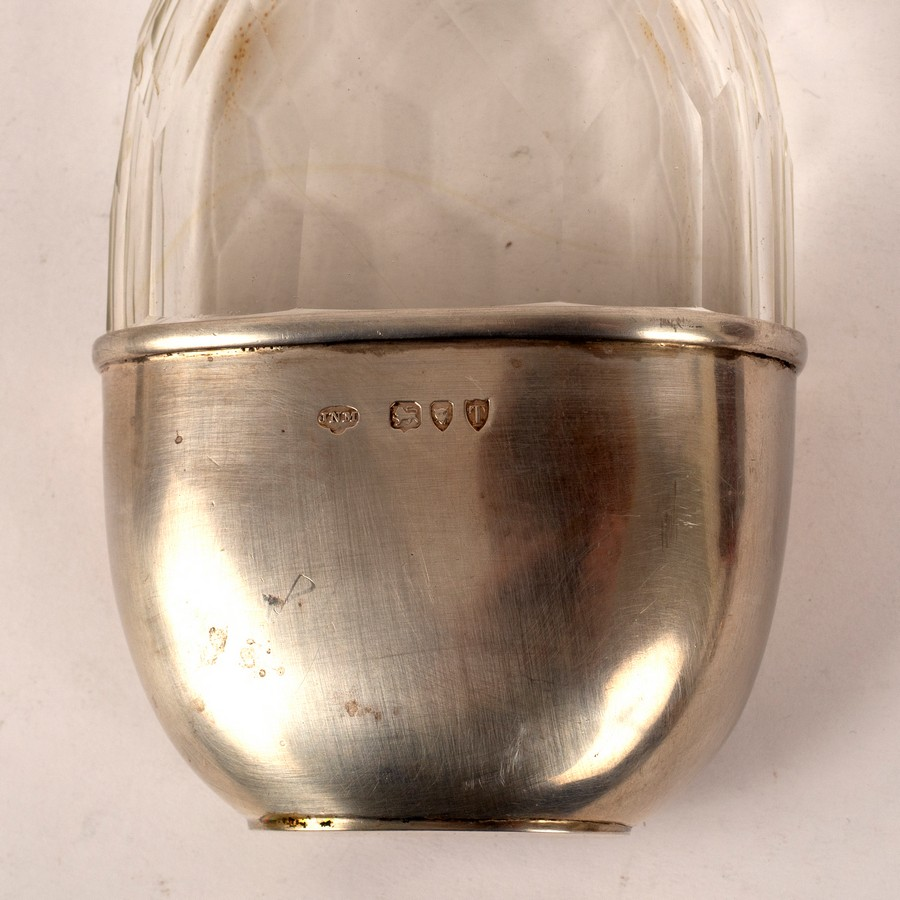 A Victorian silver mounted cut glass hip flask, JNM, London 1894, - Image 2 of 4