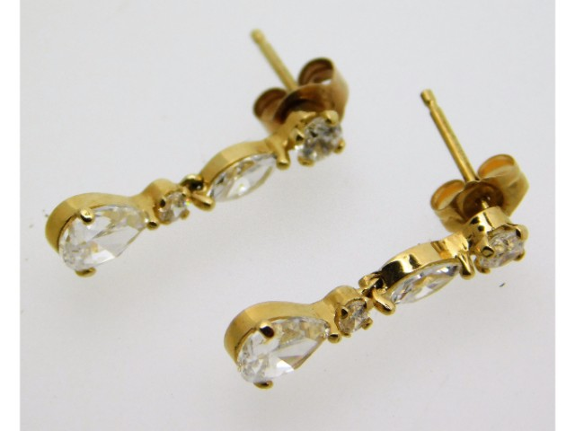 A pair of 14ct gold drop earrings set with CZ, 1.5
