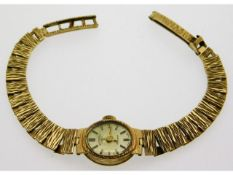 A ladies 9ct gold Rotary wrist watch with box, tot