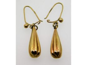 A pair of 9ct gold drop earrings, 1.6g