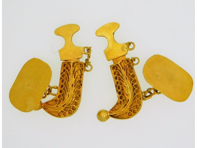A pair of 21ct gold middle eastern Jambiya dagger