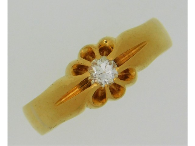 An 1895 Samuel Hope 22ct gypsy style ring set with
