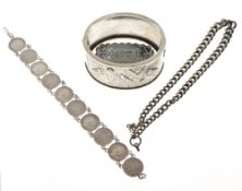 Assorted silver and white metal jewellery to include Aesthetic style hinged bangle decorated with