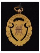 9ct gold oval sporting fob 'Winners C.S.L. 1931-1932', Thomas Fattorini Ltd, 5.5g approx, in