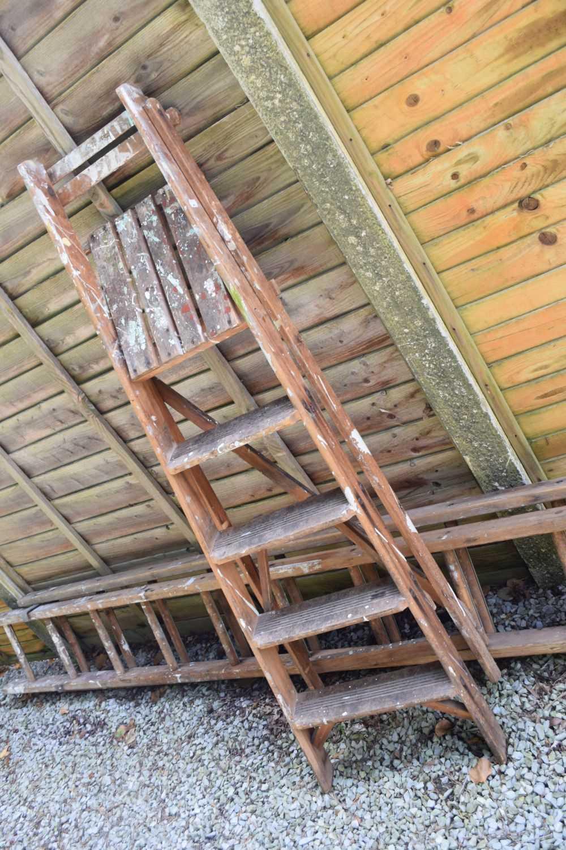 Step ladder and ladder - Image 2 of 5