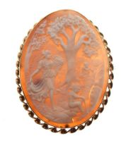 9ct gold-mounted cameo brooch