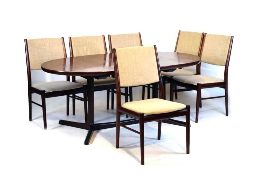 Skovby dining table and 6 chairs