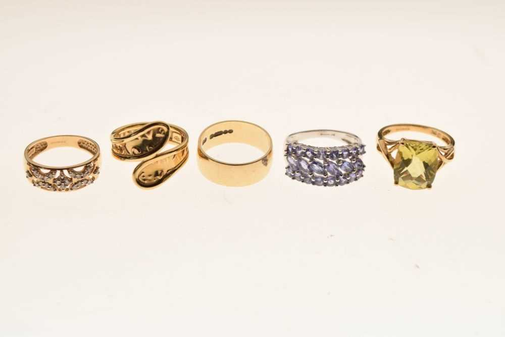 Five 9ct gold rings - Image 2 of 5