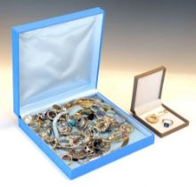 Assorted silver and white metal jewellery