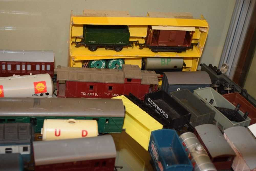 Rolling stock and carriages - Image 3 of 6