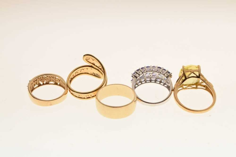Five 9ct gold rings - Image 4 of 5