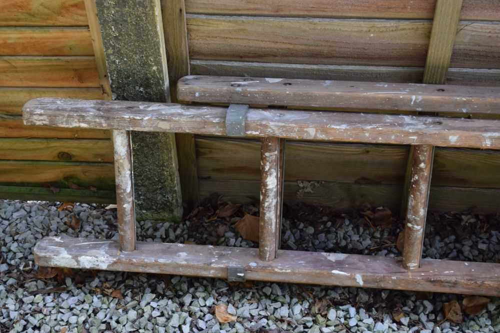 Step ladder and ladder - Image 4 of 5