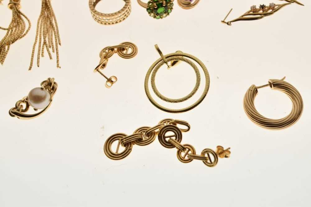 Assorted gold rings and other jewellery - Image 5 of 5