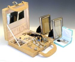 Suede case containing assorted costume jewellery