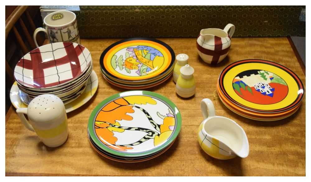 Quantity of J & G Meakin Habitant Studio Ware, Wedgwood Clarice Cliff plates and
