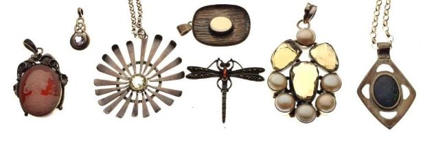 Group of silver jewellery