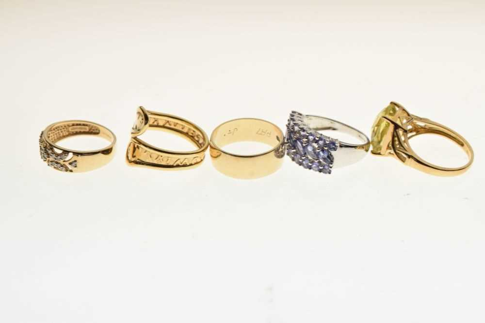 Five 9ct gold rings - Image 3 of 5