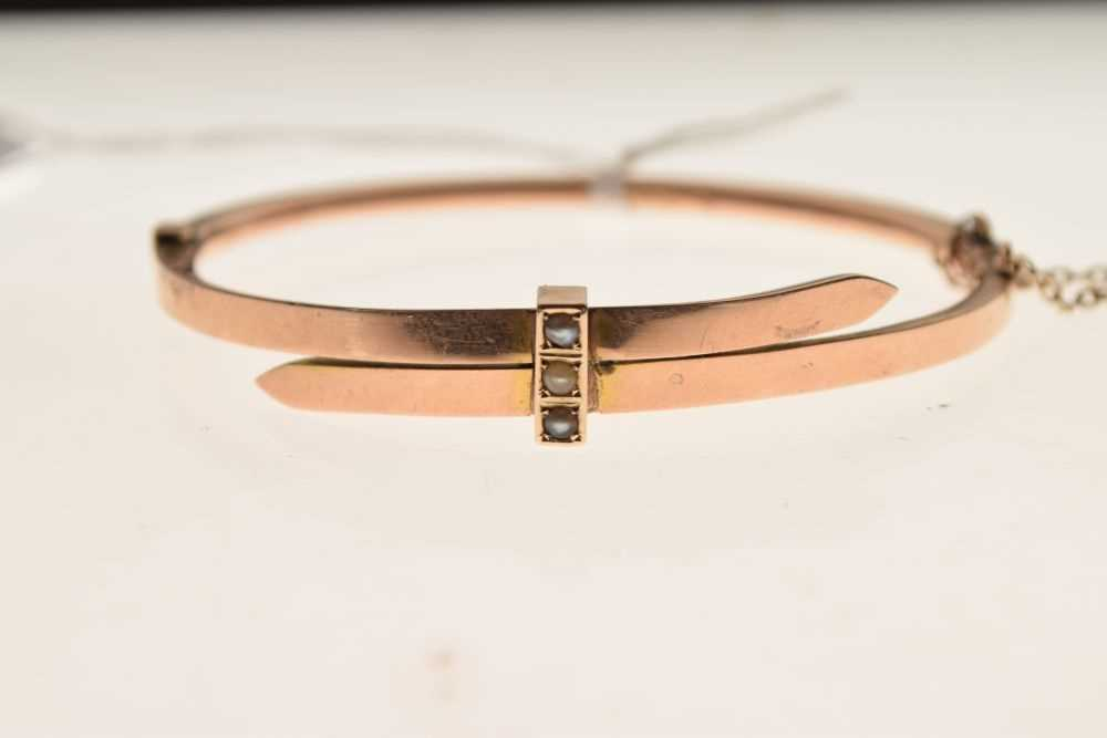 Late Victorian 9ct gold bangle - Image 2 of 4