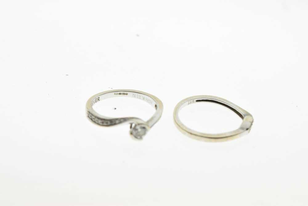 18ct white gold diamond set ring - Image 4 of 5