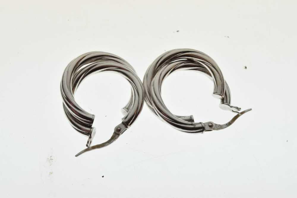 Two pairs of 9ct gold hoop earrings - Image 3 of 3