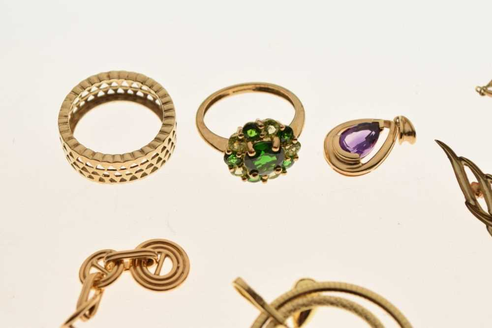 Assorted gold rings and other jewellery - Image 3 of 5