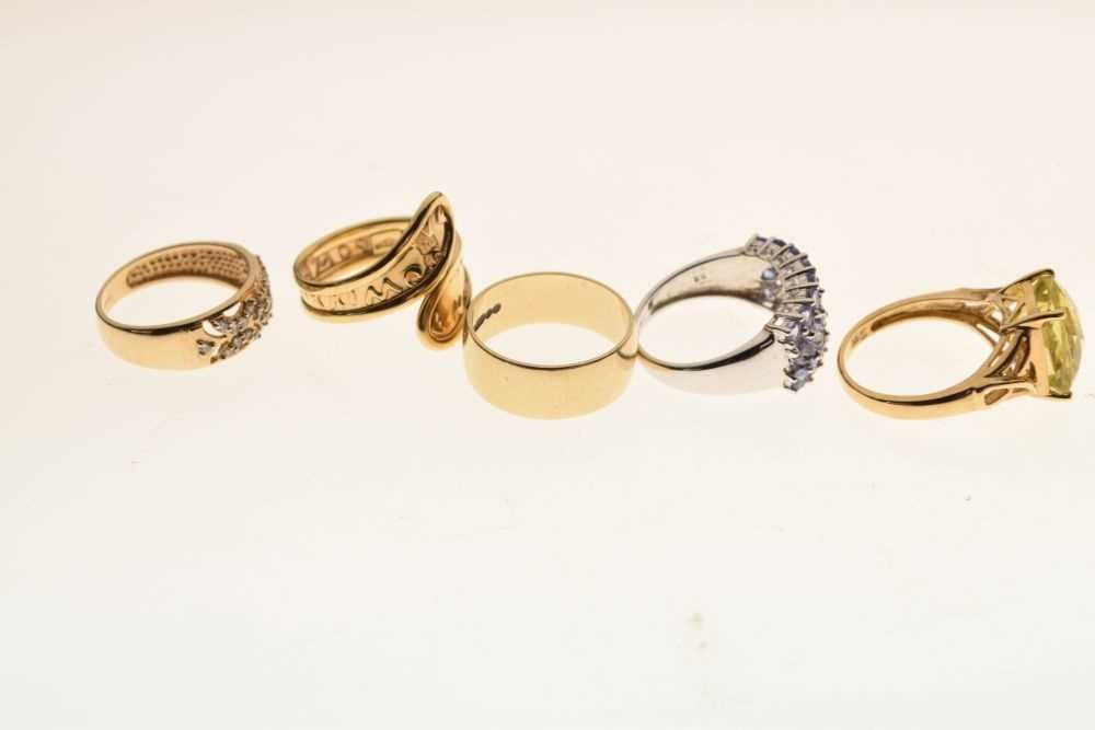 Five 9ct gold rings - Image 5 of 5