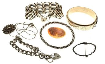 Assorted silver and white metal jewellery,