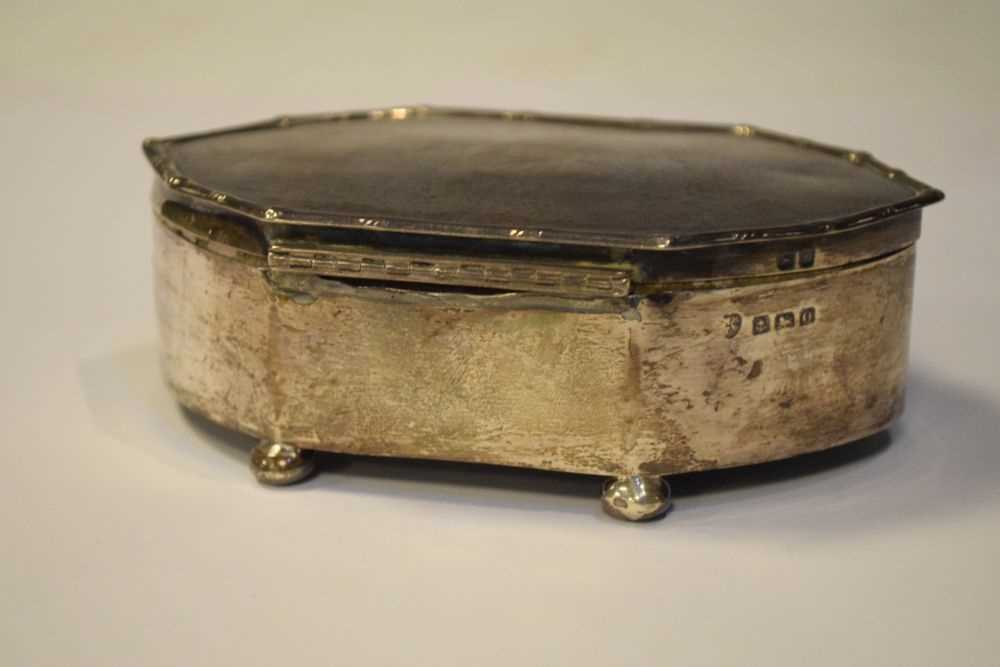 George VI silver dressing table box, Birmingham 1938 - Image 3 of 5
