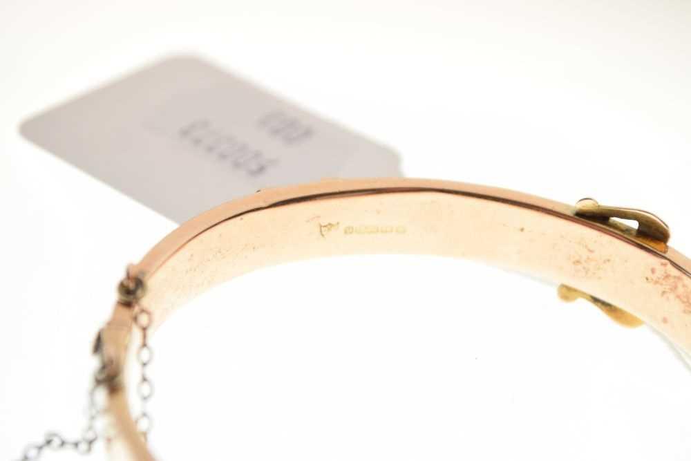 9ct gold engraved belt-buckle design snap bangle - Image 4 of 4