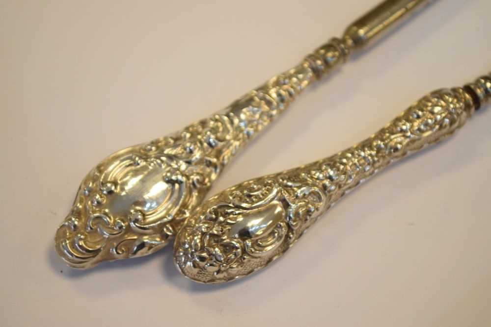 Quantity of silver items to include, shoe horns , brushes etc - Image 6 of 6