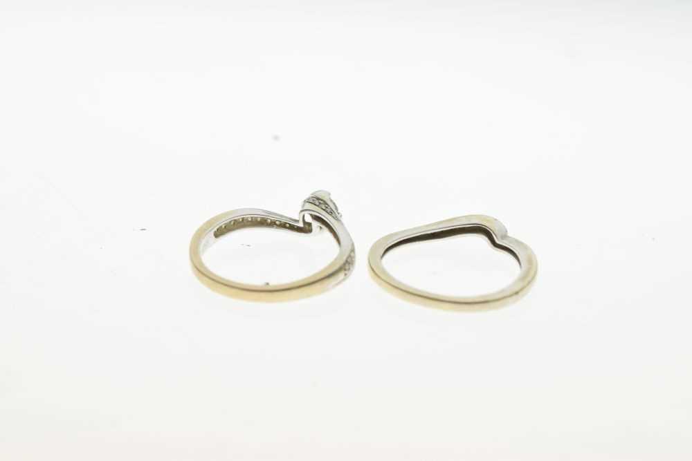 18ct white gold diamond set ring - Image 3 of 5