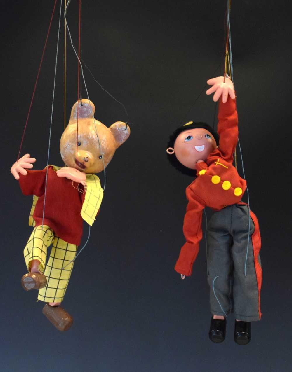 Two Pelham puppets